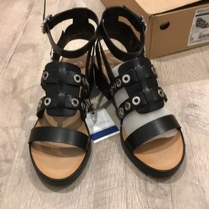 Zara sandals in black size 8 or 39euro, new